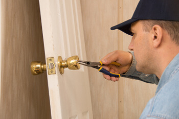 24-hour locksmith service in Cloverland Houston, TX
